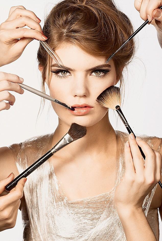 Cara Menghias Wajah Dengan Make Up